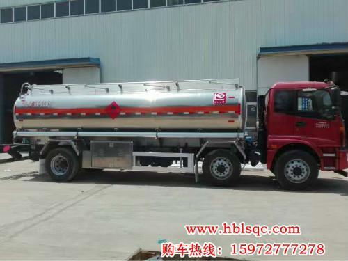总质量25吨欧曼小三轴易燃液体罐式车由随州龙8国际真人制造